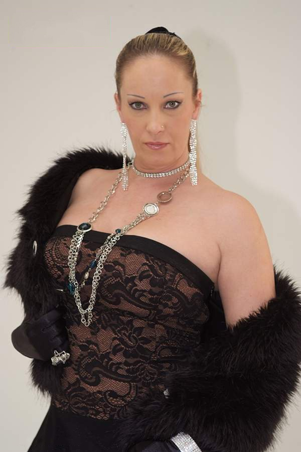 Sandra Love | Models | Sirina Club