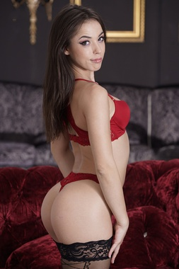 Anastasia Brokelyn