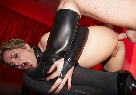 BDSM – Janet η αφέντρα